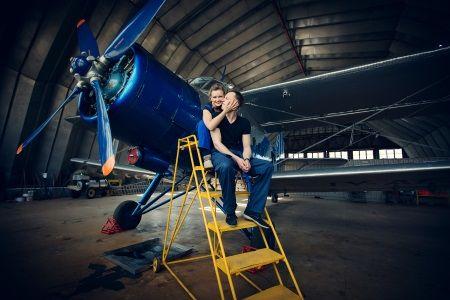 Priešvestuvinė fotosesija Klaipėdos oro uoste / Love story at Klaipeda airport: L & R